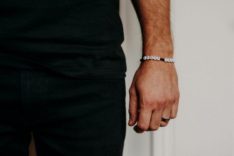 VV_armband-black-human
